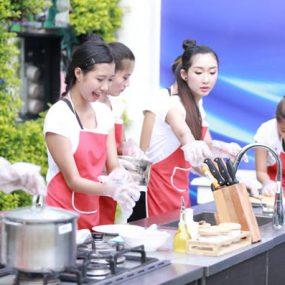 Giá Trị Bằng Trung Cấp Nấu Ăn Và Quản Trị NH – KS Tại CET
