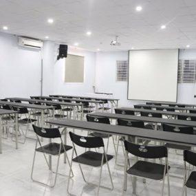 Khám Phá Cơ Sở Vật Chất Hiện Đại Của Trường (CET)