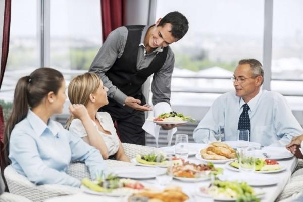 Bên cạnh buồng phòng thì F&B là bộ phận mang lại doanh thu lớn cho khách sạn