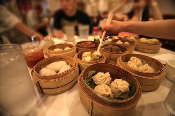 Các món ăn Dimsum có nguồn gốc ra đời từ thói quen dùng trà của người Trung Quốc