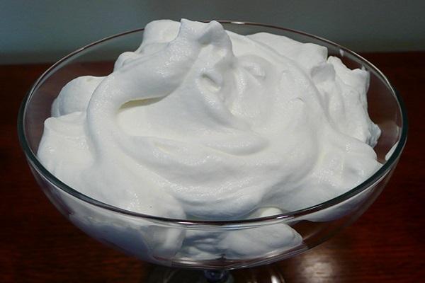 Cách làm Whipping cream không dùng máy