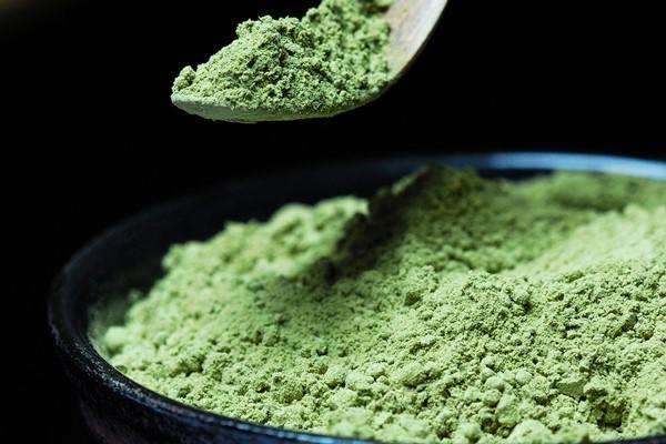 Matcha là bột trà xanh có hơn 1200 tuổi xuất xứ từ trà đạo của Nhật Bản