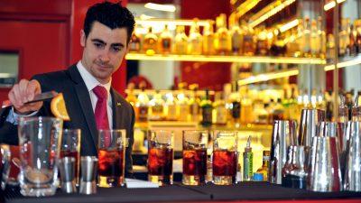Quầy bar, nhà hàng là nơi quảng bá văn hoá, thương hiệu của khách sạn cực kỳ hiệu quả