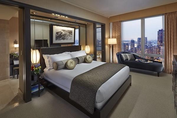 Lựa chọn giường ngủ phù hợp sẽ mang lại giấc ngủ ngon, thoải mái cho khách hàng