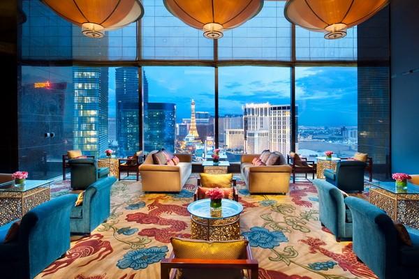 Ngoài yếu tố tiện nghi thì nội ngoại thất phải đảm bảo tính sang trọng, cao cấp cho khách sạn