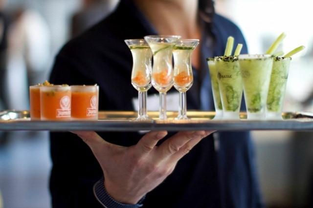Horeca giúp phân phối các sản phẩm dùng trong NHKS như rượu, cocktail, nguyên vật liệu nấu ăn…