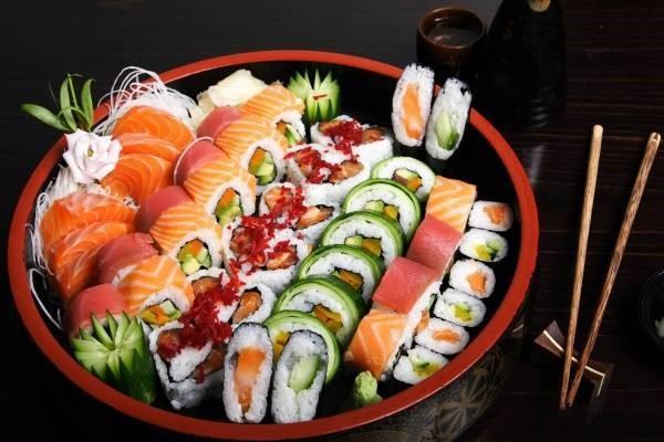 Kimbap và sushi thường hay bị nhầm lẫn là một