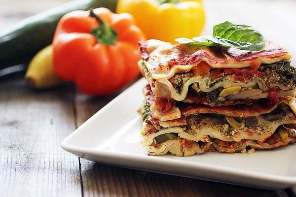 Các đầu bếp ở miền Nam nước Ý thích làm lasagna với bề mặt gợn sóng