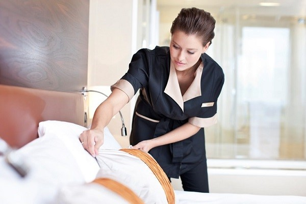 Những người nhân viên Housekeeping luôn làm việc chăm chỉ, tỉ mỉ