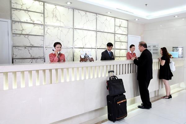 Nhân viên lễ tân là bộ mặt của các Nhà hàng – Khách sạn