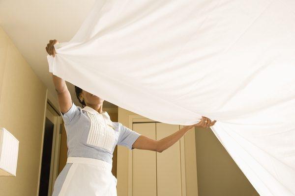 Nhờ có bàn tay của Housekeeping mà phòng của khách luôn sạch sẽ, tinh tươm