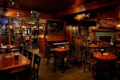 Pub có lịch sử hình thành từ xa xưa, từng là trung tâm văn hoá của cộng đồng