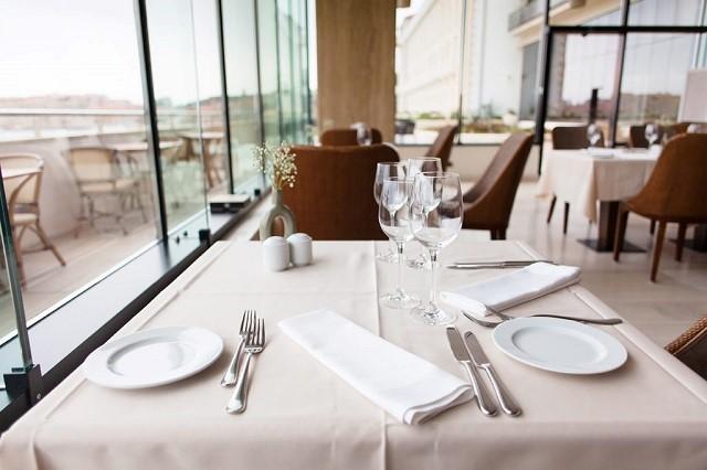 Set up nhà hàng chính là bước đi cơ bản đầu tiên đối với việc kinh doanh nhà hàng