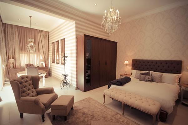 Phòng Suite có thiết kế nội thất sang trọng, cao cấp nhưng vẫn có cảm giác ấm cúng