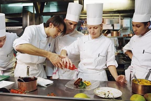 Commis chef là gì