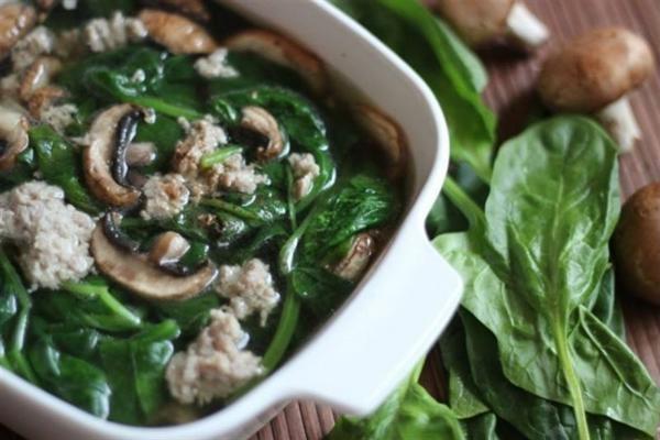 rau spinach tốt cho bà bầu
