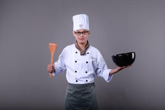 bộ đội học nghề nấu ăn