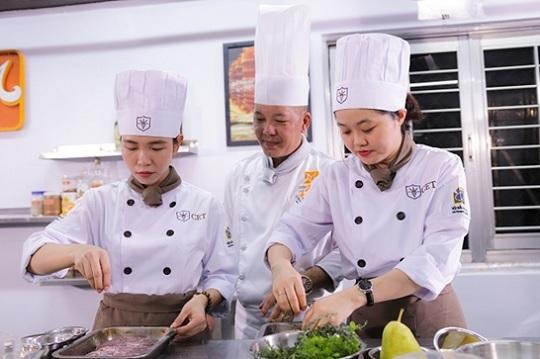 học nghề nấu ăn rộng mở cơ hội việc làm