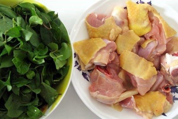 thịt gà và lá giang