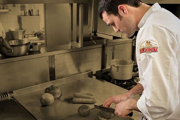 nhiệm vụ của phụ bếp