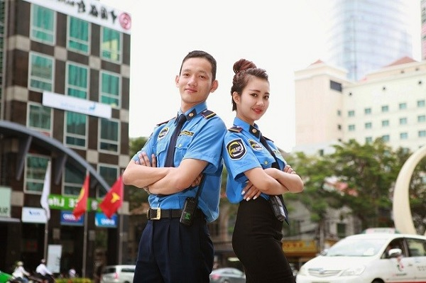 Nhân viên an ninh khách sạn