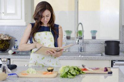 Sự khác biệt giữa người nấu ăn và đầu bếp chuyên nghiệp