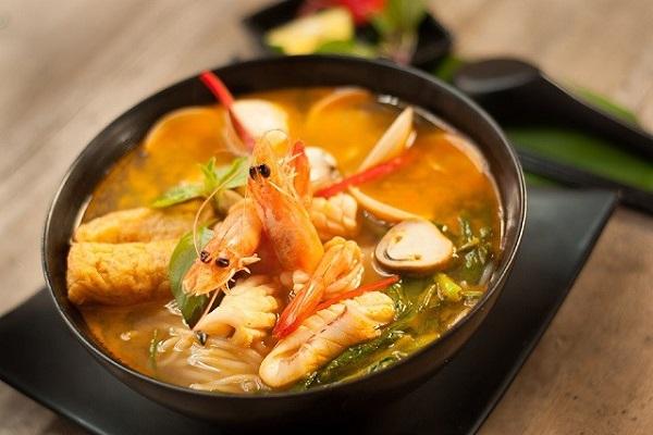 Bún Thái hải sản