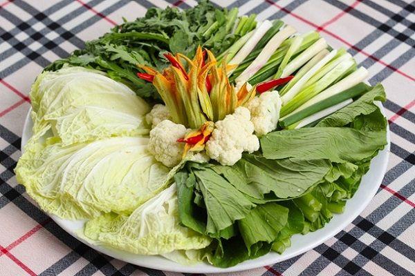 Lẩu cá thác lác ăn kèm với rau gì?