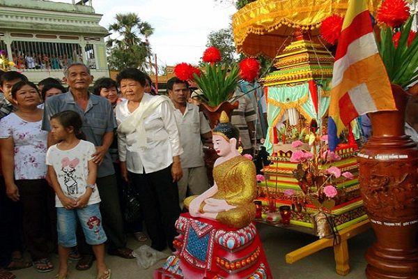 Lễ hội Cholchnam Thmay