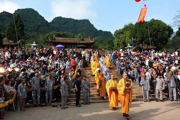 Lễ hội lên chùa Khẩu - Phẳn - Sả