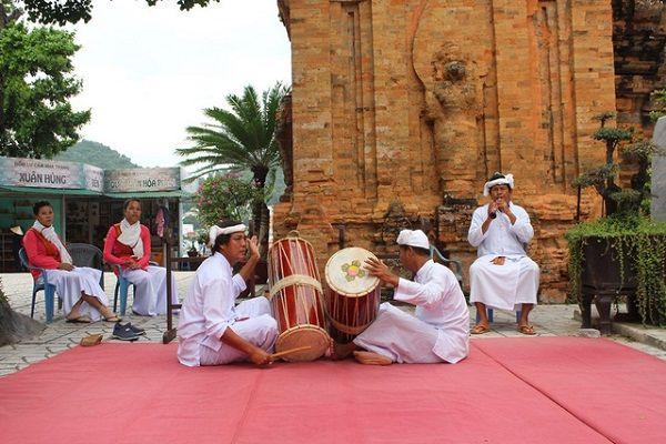 Lễ hội Tháp Bà Ponagar