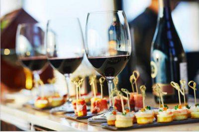 Cách tổ chức và lên thực đơn tiệc cocktail trong sự kiện