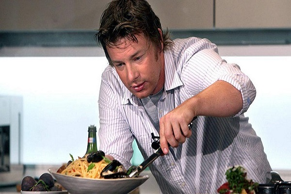 đầu bếp chuyên nấu món italia