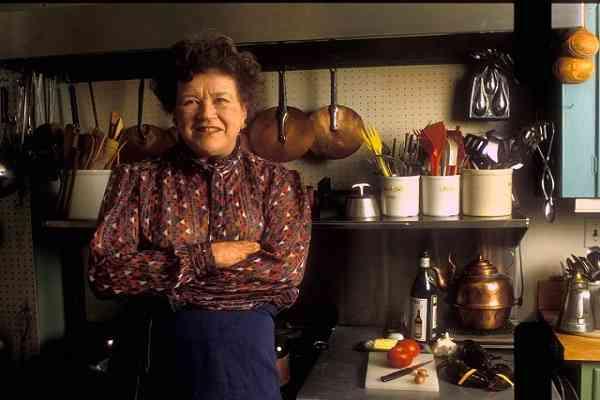 Julia Child khám phá ra nền ẩm thực
