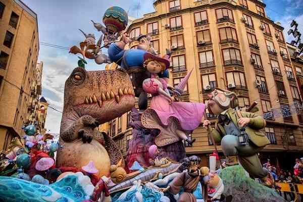 lễ hội Las Fallas