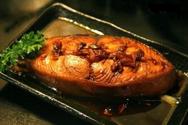 Cho bữa ăn thêm đậm vị với cách kho cá mè ngon nhất không tanh