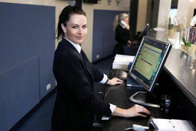 Night Auditor là gì? Tìm hiểu về nhân viên Night Auditor trong khách sạn