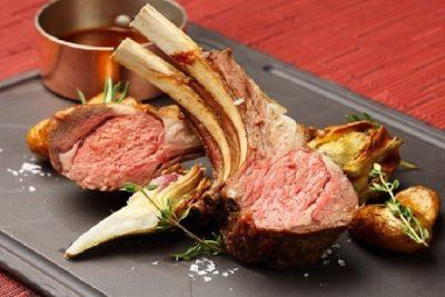 Đổi món với cách làm sườn cừu và thịt cừu nướng đúng điệu