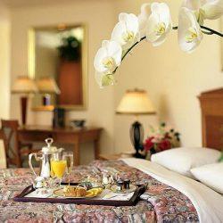 b&b là loại hình lưu trú cung cấp giường ngủ và buổi ăn sáng
