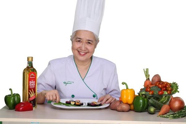 đầu bếp Nguyễn Dzoãn Cẩm Vân