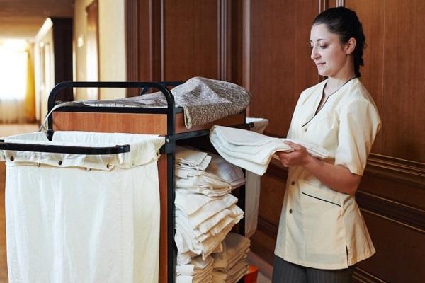 mức lương nhân viên room attendant