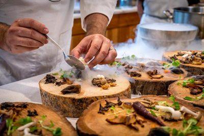 Đặc điểm của nghề đầu bếp và triển vọng nghề bếp tại Việt Nam