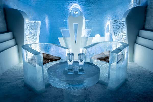 Ánh sáng huyền ảo bên trong Ice Hotel