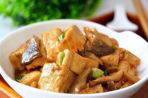 nấm kho đậu hũ