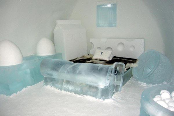 trải nghiệm qua đêm trong một căn phòng băng tuyết