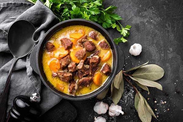 canh khoai tây thịt bò