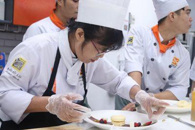 Học nghề Đầu bếp có kiếm được nghìn đô mỗi tháng?