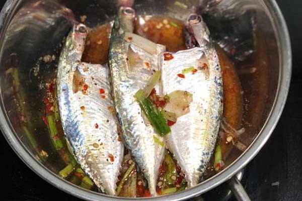 ướp cá bạc má
