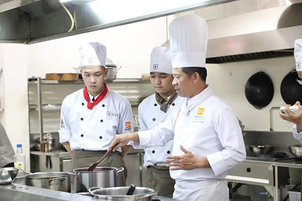 học nấu ăn hệ trung cấp
