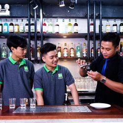 học trung cấp kỹ thuật pha chế đồ uống tại CET